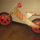 Деревянный беспедальный велосипед